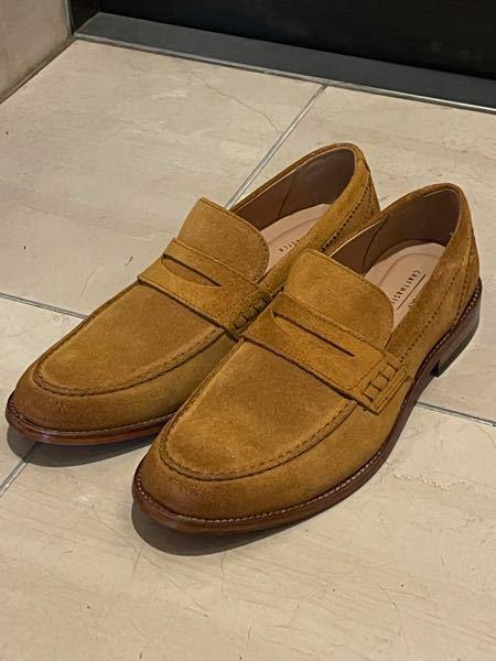 この靴を夏に履くのは暑苦しく見えますか?