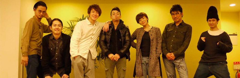 右端の人と左から二番目の東京事変のメンバーじゃない方はどなたでしょうか?