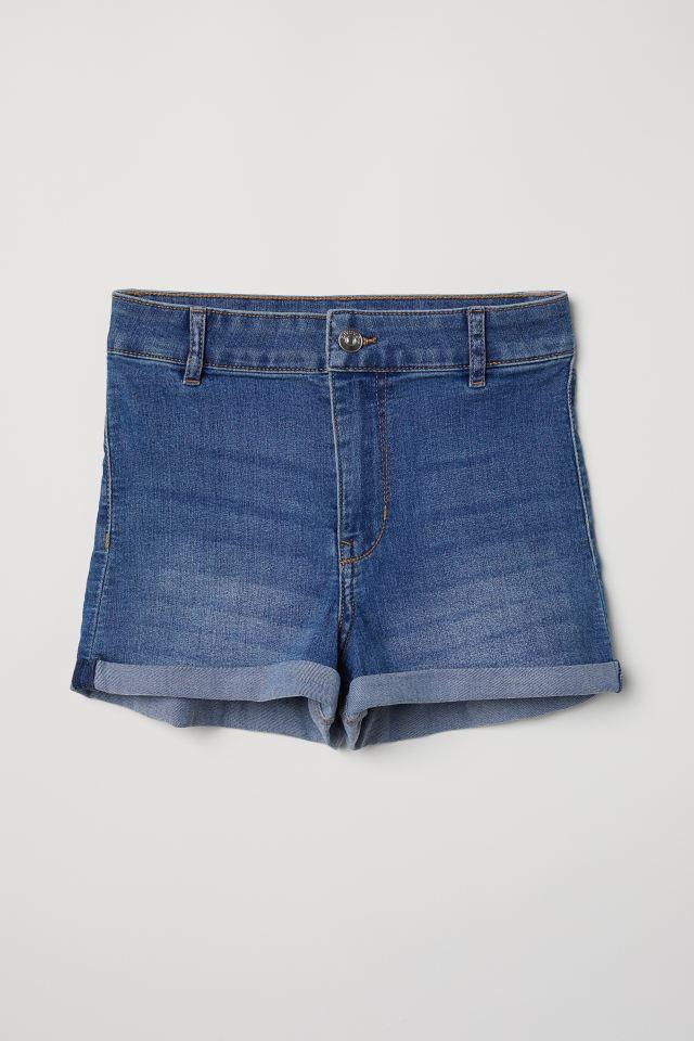 こういうショーパンですが女子中高生で今の時期よく履く方多いですか?