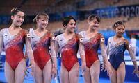 オリンピック開催、賛成ではなかったけれど、TV観てます。 体操観てますが、女子選手の芦川さんだけユニフォームの色が違うのは何故ですか?