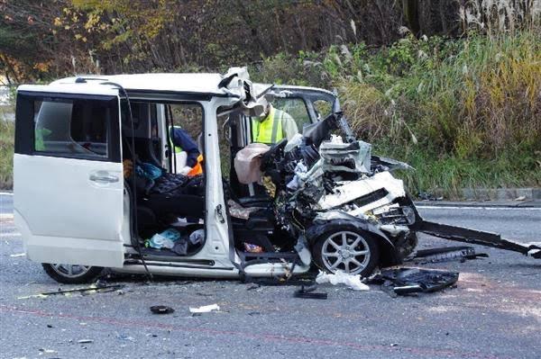 なんでダイハツやスズキなどは事故ったら死ぬ車を作り続けるんでしょうか?