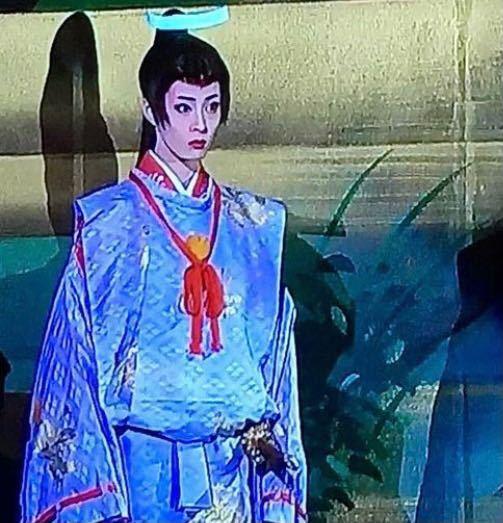 桜嵐記の尊氏の後ろにいるこの子は誰ですか?