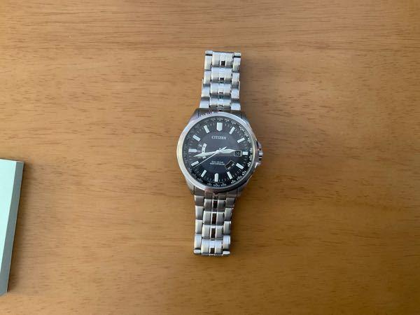 最近購入した時計なのですが、ふと見てみたら止まっていました。 自分は腕時計ことはよくわかってないのですが、電波時計なのにも関わらず、止まることってあるのですか?
