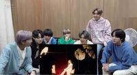 BTSのメンバーの名前を知りたいのですが、メイクや服装で毎回分からなくなります ・ࡇ・ この画像の左から順番に名前を教えてもらえませんか…