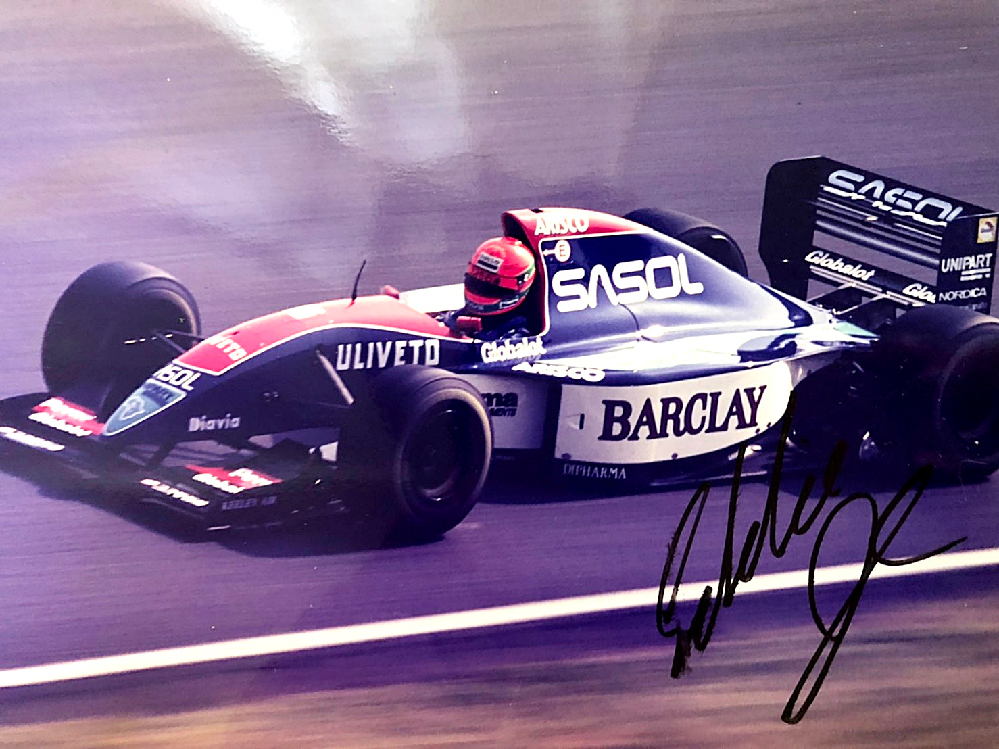 [Formula 1 F1]このサイン、誰のかわかる方教えてください。