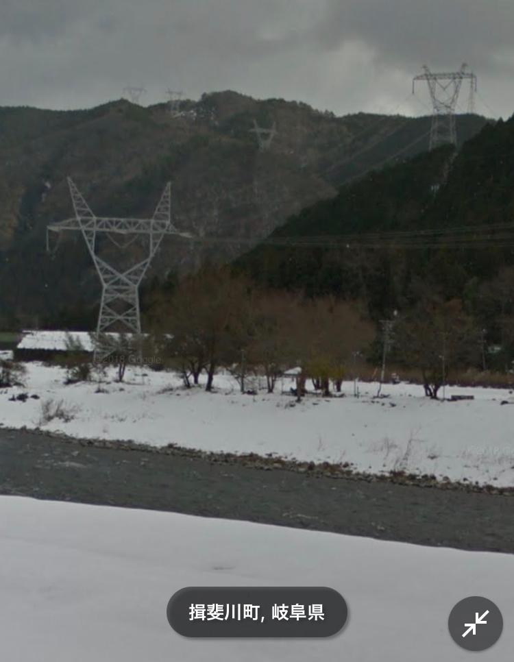 この鉄塔、他のと違いますよね、、 なんか怖いです.. なぜこのような形なのですか?