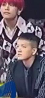 この韓国人の歌手は何んていう方ですか? どんな曲調の歌を歌っているのですか?