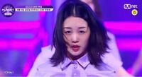 GirlsPlanet999の日本人の江崎ひかるさんダンスも韓国語も上手で動画では一番前にいましたが可愛いと思いますか?またデビューできると思いますか?またなぜ一番前なんでしょうか? 正直私はあまり可愛くないと思ってしまいます… スタイルもKPOPアイドルとしてはあまり良くないと思います…皆さんはどう思いますか?個人的な意見です。   ガルプラ999 Mnet