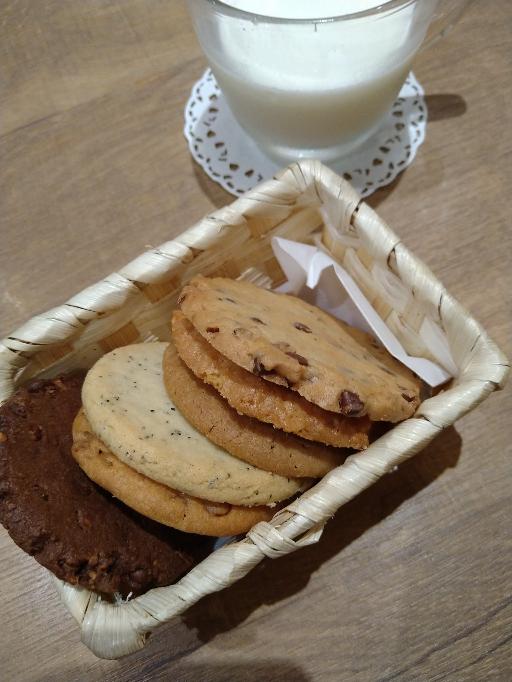 クッキー食べ放題(60分) 何枚ぐらいいけそうですか?