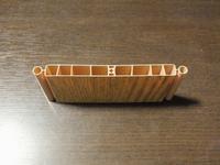 パネルドアの無料サンプルが送られてきたのですが、隣のパネル通しの接合部はどの様な形状になるか分かりませんか? 画像はサンプルの断面図です。 https://item.rakuten.co.jp/w520/panel-door002/