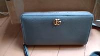 このグッチの長財布は、正規の価格はいくらですか? グッチに、詳しい方どうか宜しくお願いします。