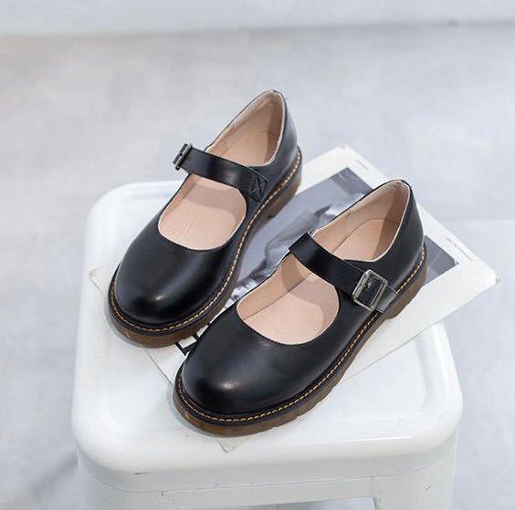 写真のような靴の種類の名前教えてください