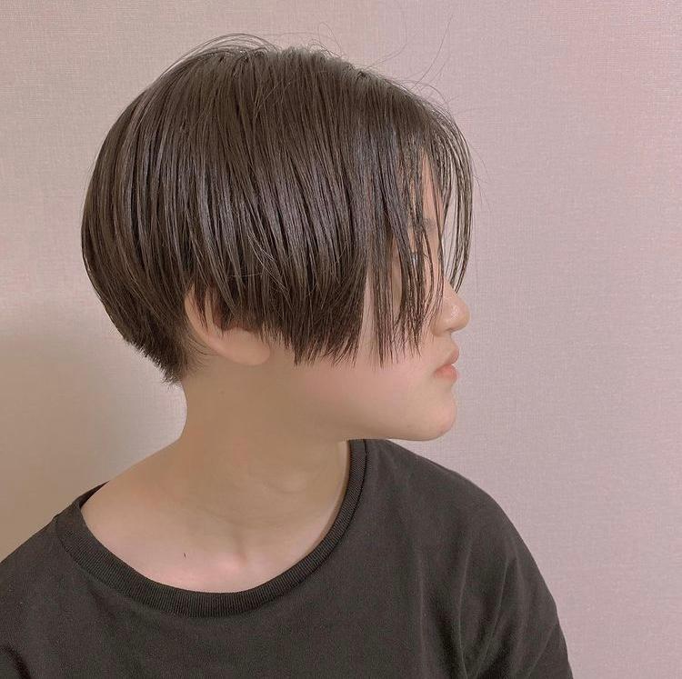 女で画像のような髪型にしたいのですが丸顔だと似合わないでしょうか(><)