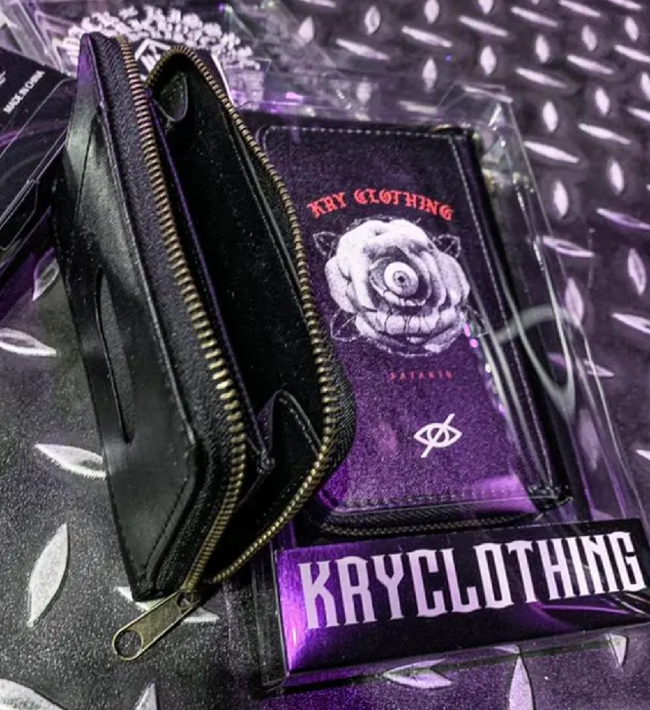 こちらに似てる財布????カード入れ付きコインケース? 似てるものorこちらの在庫があるサイトがあれば教えてください。 地雷向け????の財布を探しています