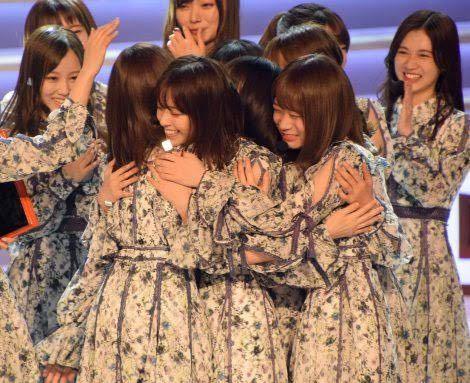 第60回 日本レコード大賞で受賞した乃木坂46の皆さんが最後に抱き合っている動画はどこで見れますか?