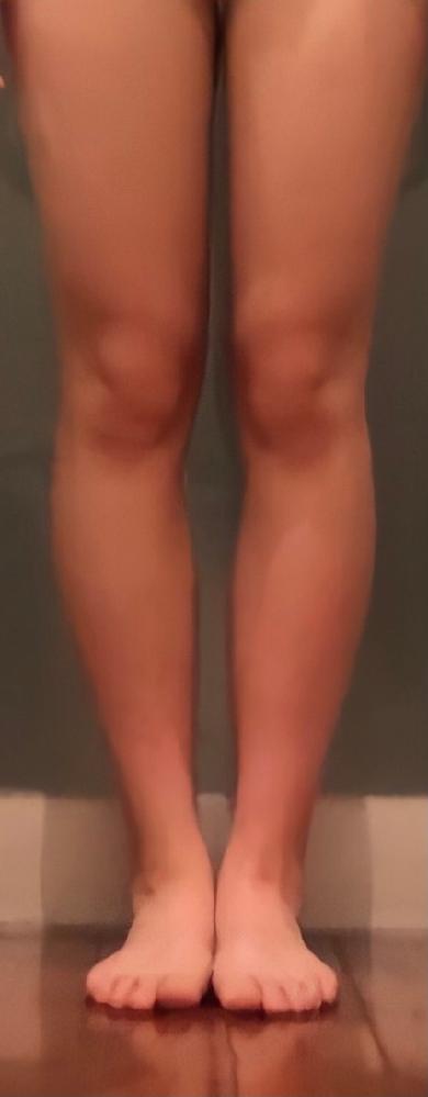 ※画像有 この脚と美脚の違いをなるべくたくさん教えて頂きたいです!(色以外) たくさん書いてくださった方にBA差し上げます^^