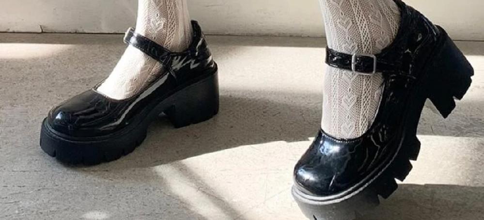 下のようなお洒落な靴ってなんて言う名前ですか?