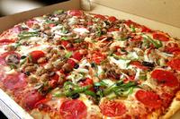 宅配ピザの注文店は決まってますか? (^。^)b  1、いつも決まってる 2、決まってなくていろいろ 3、宅配ピザは注文しない