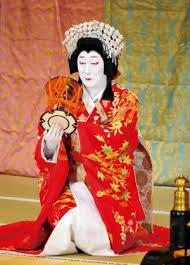 市川海老蔵さんの頭は、鼓が奏でる「スッポンスポポンポン」でスッポンみたいですか?