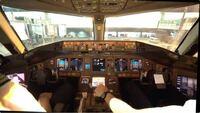 旅客機のコックピットがアナログ計器からモニターになったのはいつぐらいですか?