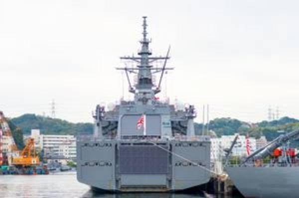 これはなんという艦の後ろ姿ですか? 検索用: 自衛隊 護衛艦 海上自衛隊