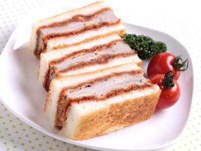 こんばんは 皆さんは カツサンドは好きですか?? 久しぶりに食べたいな!!