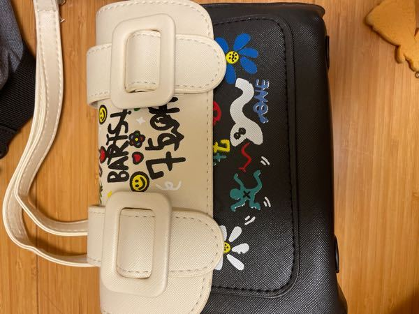 これはどこのブランドのバッグですか? 値段も知りたいです