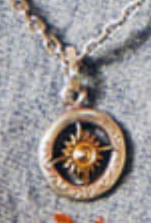 これ、どこのネックレスかわかる人いますか?