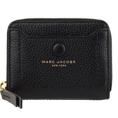 みんながよく使ってる、マークジェイコブスのスナップショットのバッグを購入しようか悩んでます。 その際にバッグ自体が小さい為、皆さんいつものお財布ではないと思うんですが、どのようなのを使用されてま...