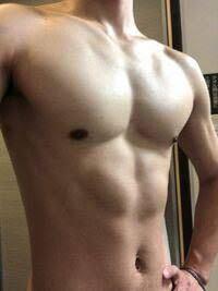 180センチ65キロで 見た感じこう言う体の人っていますか?