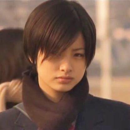 金八先生の上戸彩さんがめちゃくちゃカッコいいですが、もしこの顔の男子がいたらかなりイケメンですよね?