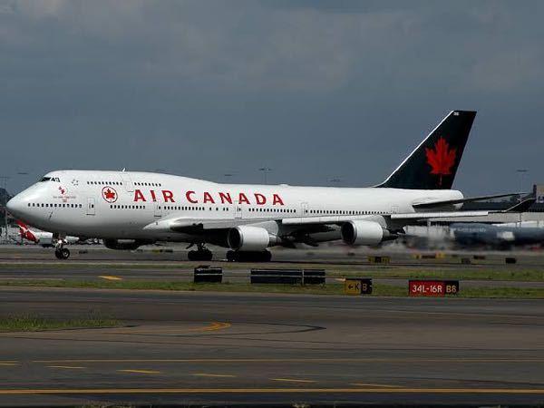 エアカナダからB747-400が退役したのはいつですか?