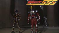 仮面ライダー555の最終回でアークオルフェノクと最終決戦を繰り広げてた時のBGMサントラの曲名を知ってる人いませんか?