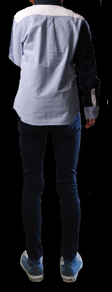 このシャツの丈は短いですか?