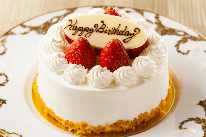 こんにちは 皆さんは 誕生日にはやっぱり 丸いケーキがいいですか??