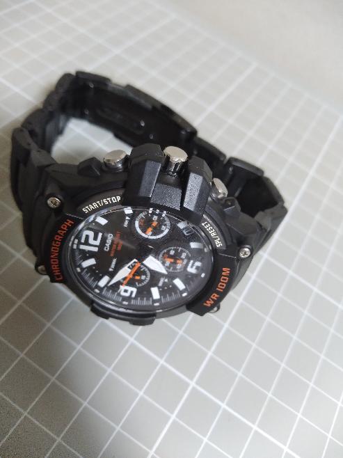 この時計はカッコいいと思いますか? 最強のチープカシオだと思いますm(__)mメタルコアバンド装着で殆ど見た目はGショックのスカイコックピットに見えますね(^o^;)しかし値段はメタルコアバンド込みで2万円くらいしますね(^o^;)
