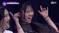 ガルプラ この人誰ですか?? えこんな子いたっけって思ってかなり衝撃的でした ずっと気になってて写真フォルダにありました  ガルプラ ガールズプラネット 韓国 K-POP
