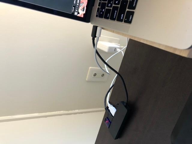 Cubase Elementsについて質問です。 MacBook Proを使っておりインターフェースはUR12です。 いくつか質問があります。 1.ギターやベースを接続して音はなっているがREC...