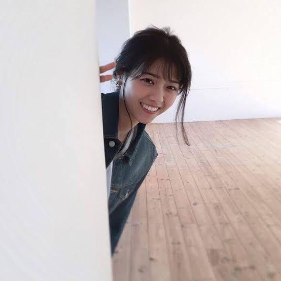 男性に質問。 壁からひょっこり顔を出して笑顔の女優・西野七瀬さんが可愛いと思いますか?
