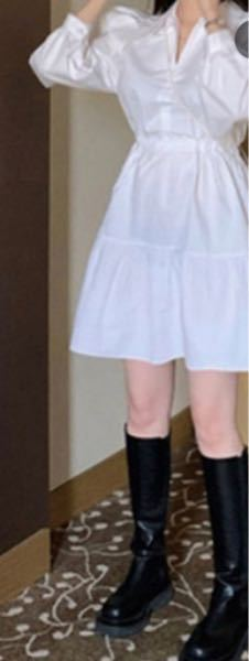 こういう形の真っ白のワンピースを買ったんですけど下に履いてる黒パンが少し透けてしまってそういう時ってどうしてますか?