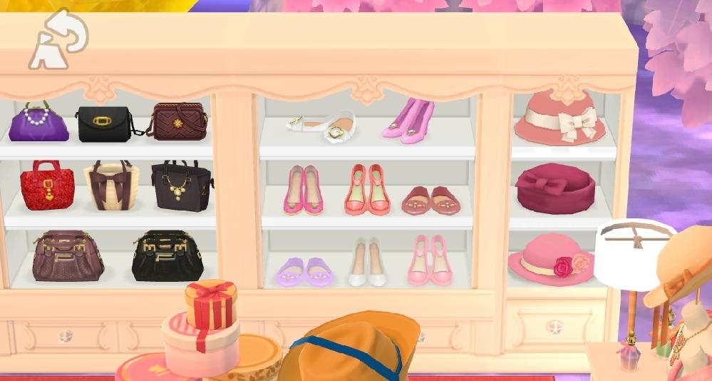 このポケ森の白い棚(靴や帽子がある棚)は何かのイベントの棚ですか?それともクッキーで手に入る家具でしょうか?