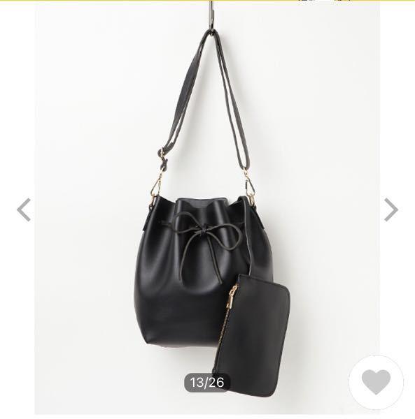 シンプルな服+スニーカー、スリッポンのカジュアルコーデにこのバッグってどう思いますか?おかしいでしょうか?