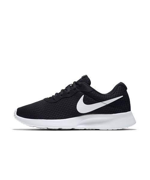 こういう靴を大学生が普段履きしていたらダサいですか? 歩きやすいし 運動するときも使えるので履いてます