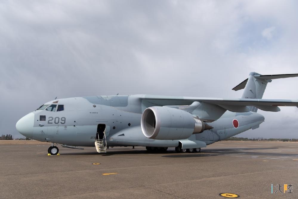 航空自衛隊のC-2輸送機はなぜ双発なのですか?4発だとコストがかかりすぎだからですか?