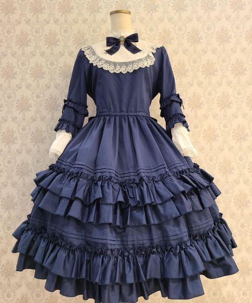 このお洋服に合うお靴を教えてください! 買う前に試着などをしたいので、通販以外でお願いします!