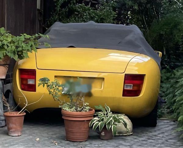 この車の車名は何ですか?外車だとは思うのですが。
