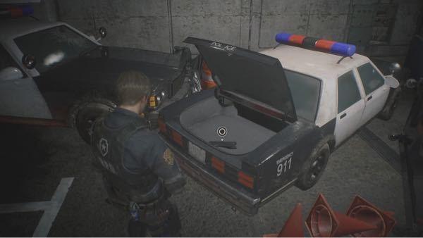 バイオハザードのラクーンシティ警察に使われてるこのパトカーの車種がなんていうやつか教えて欲しいです! それとも架空のやつですか?