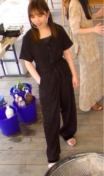 乃木坂工事中の3期生12人で最後の晩餐会で与田祐希さんが着用してるこの服のブランドどこの物か分かる方いますか?画像検索したり似たようなものを漁っても出てきませんでした(><) ご存知方いたら教え...