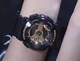 この腕時計どこのかわかる人教えてください!!