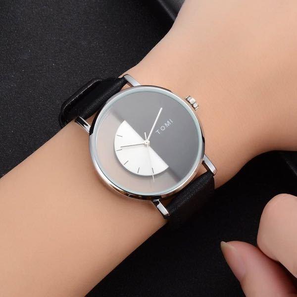 この腕時計を男子高校生がつけていたらおしいですか? そもそもメンズ時計ですか?